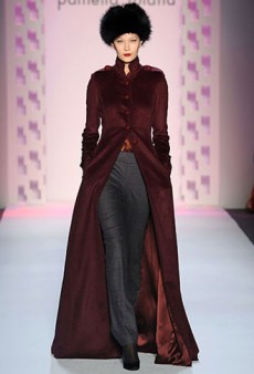 Pamella Roland Fall 2011 Runway Review