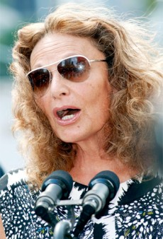 Diane Von Furstenberg Embrassed About Obama Dress Drama; James Franco Joins Facebook & Twitter