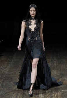 Julien Macdonald Fall 2011 Runway Review