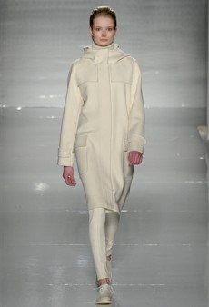 Max Mara Fall 2011 Runway Review