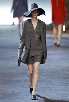 Lanvin Fall 2011 Runway Review