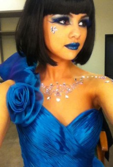 Selena Gomez is Blue and Other Celebrity Twitpics of the Week