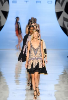 Etro Spring 2012 Runway Review