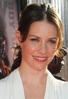Evangeline Lilly: Look of the Day