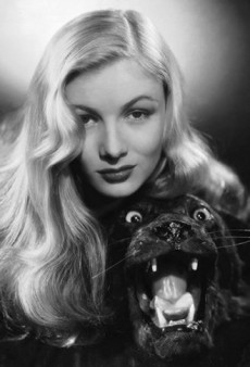Celebrity Hair Trend: Veronica Lake-Inspired Glamorous Waves