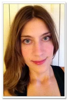 Julie Bensman Tries the Make Up For Ever HD Complexion Starter Kit