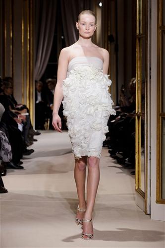 Valli Haute Couture