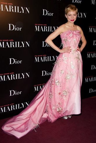 Michelle Williams My Week with Marilyn Paris Premiere cropped