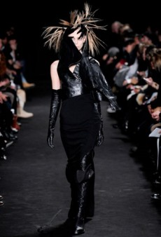 Ann Demeulemeester Fall 2012 Runway Review