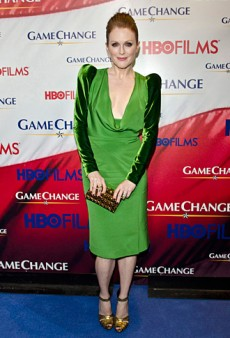Julianne Moore Premieres 'Game Change' in Green Tom Ford (Forum Buzz)