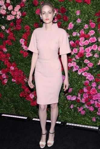 file_173553_0_leelee-sobieski-2012-tribeca-film-festival-chanel-artists-dinner-new-york-city-cropped