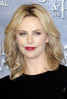 Charlize Theron: Beauty Look of the Week – Red Lip Done Right