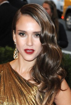 How to Create Old Hollywood Waves Like Jessica Alba and Jessica Chastain