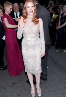Twitterati #Fashion Recap: Jessica Chastain Bares All, Anna Wintour Dresses Seth Meyers in Drag, and More