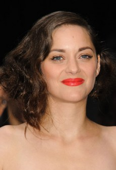 Marion Cotillard Shows How to Wear Bright Lips Anytime