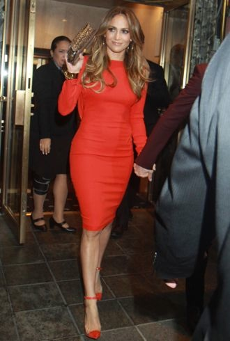 file_175075_0_jennifer-lopez-exits-her-hotel-to-celebrate-her-43rd-birthday-new-york-city-cropped