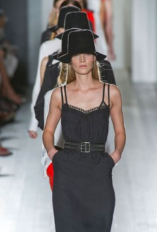 Victoria Beckham Spring 2013 Runway Review