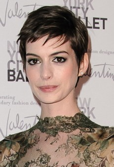Get Anne Hathaway's Olive Green Eye Look