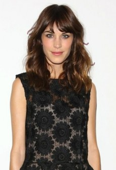 Look of the Day: Alexa Chung Collects Her Award in Simone Rocha and Nicholas Kirkwood
