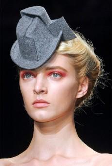 Link Buzz: The Final Word on Red Eye Makeup; Posh's Pre-Becks Life