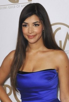 Look of the Day: Hannah Simone Goes Glam in Rafael Cennamo