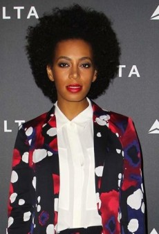 Look of the Day: Solange Knowles Steps Out in Diane von Furstenberg's Splashy Suit