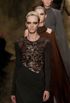 Donna Karan Fall 2013 Runway Review
