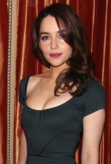 Look of the Day: Emilia Clarke's Chic Zac Posen Sheath Dress