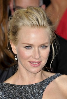 Get Naomi Watts' Perfectly Messy Oscars Updo