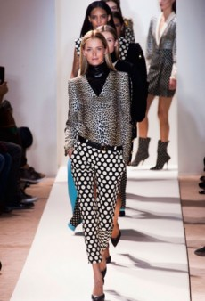 Emanuel Ungaro Fall 2013 Runway Review