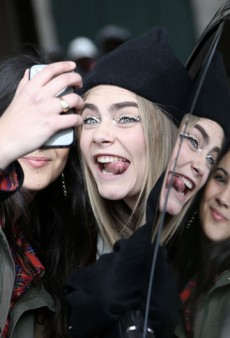Link Buzz: Cara Delevingne's New Beauty Contract With YSL; Anna Wintour Is a Weird Boss