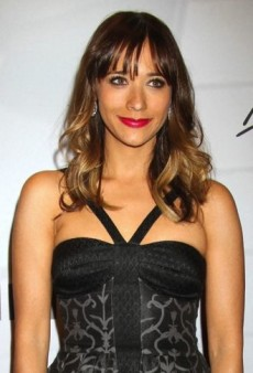 Look of the Day: Rashida Jones Polishes Off Her Printed Temperley London Dress with Gilan Earrings