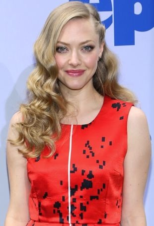 Amanda-Seyfried-New-York-Premiere-of-Epic-portrait-cropped