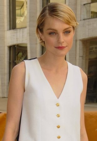 Jessica Stam Goes Minimalistic in Menswear-Inspired Thom Browne Dress