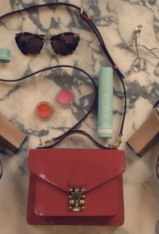What's in Miranda Kerr's Bag and Other Celebrity Twitpics of the Week
