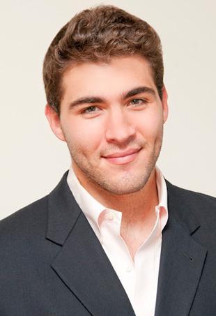 Derek-Flanzraich-founder-and-CEO-of-Greatist_Headshot