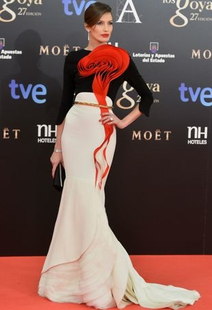 Nieves-Alvarez-Goya-Cinema-Awards-2013-Madrid-Feb-2013-portrait-cropped