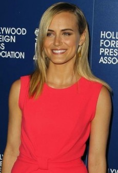 Taylor Schilling Brightens Up the Red Carpet in a Coral Roksanda Ilincic Dress