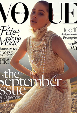 Vogue-Netherlands-Sept-13-Doutzen-cover-portrait