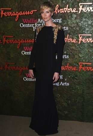 Charlize-Theron-Wallis-Annenberg-Center-for-the-Performing-Arts-Inaugural-Gala-Beverly-Hills-portrait-cropped