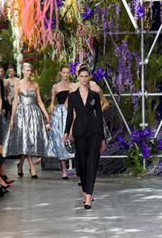 Link Buzz: How Dior Created the Hanging Garden Set for Spring 2014; Bloody Halloween Nails