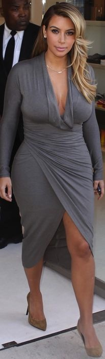 Kim-Kardashian-leaving-Dash-West-Hollywood-Oct-2013