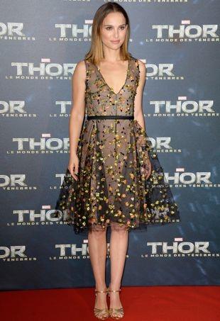 Natalie-Portman-Paris-Premiere-of-Thor-The-Dark-World-portrait-cropped