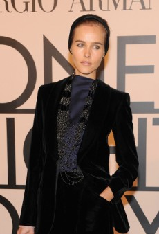 Isabel Lucas Sharpens Up for One Night Only