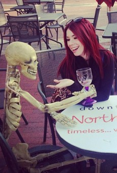 Jillian Rose Reed Dines With an Old Friend and Other Celeb Twitpics of the Week