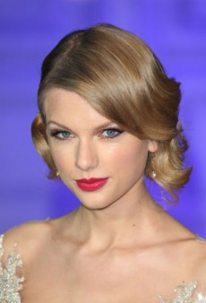 Get Taylor Swift's Reinvented Classic Look at Home
