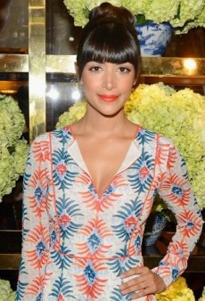 Hannah Simone Helps Tory Burch Celebrate Her Flagship Opening in the Designer's Dahlia Dress