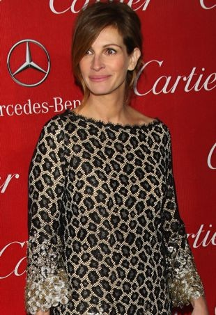 Julia-Roberts-2014-Palm-Springs-International-Film-Festival-Awards-Gala-portrait-cropped