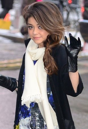 Sarah-Hyland-Good-Morning-America-Studios-New-York-City-portrait-cropped
