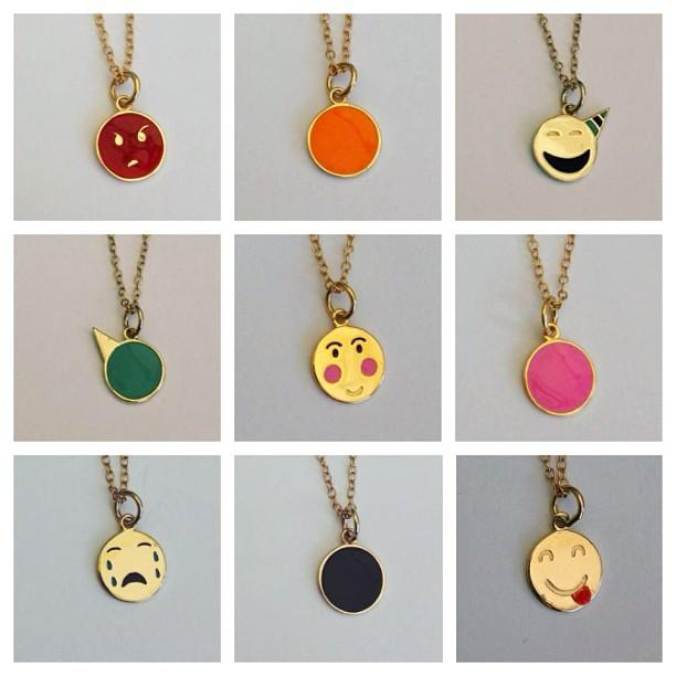 emoticon-jewelry-designer-alison-lou-launches-L-7QjrHx